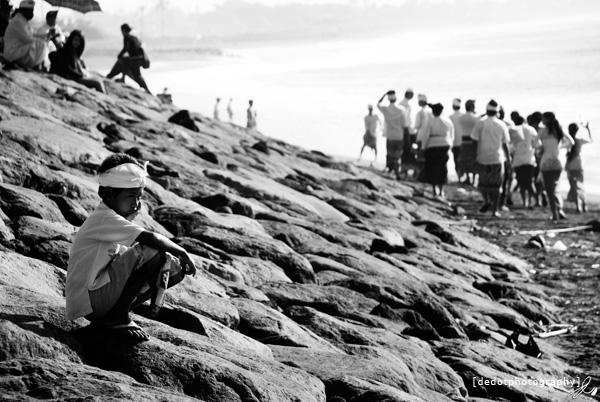 Disalah satu sudut pantai ketika upacara Melasti